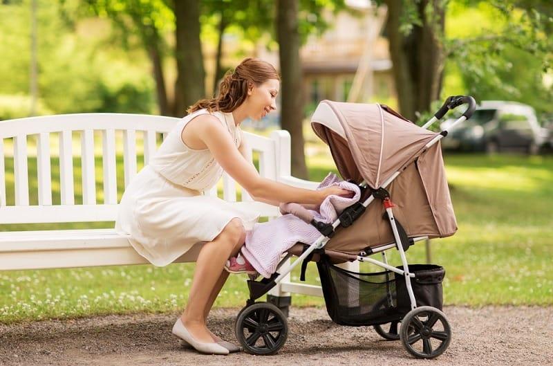 Demi Keamanan dan Kenyamanan, Ini Tips Membeli Kereta Dorong Bayi
